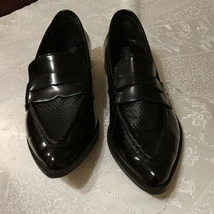 Mossimo  Supply Co. Black pointed Loafers  sz. 7